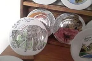 glass-zubeida-elephant-plates